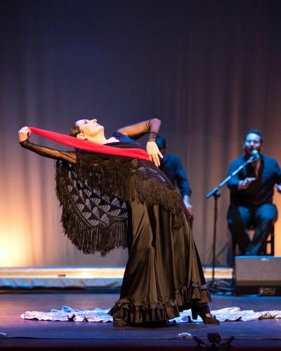 """Julia Grecos, La Premonición de """"Luna...Luna Flamenca"""""""